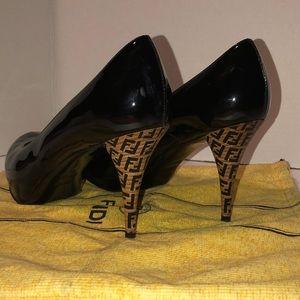 FENDI Patent Leather shoes size 41